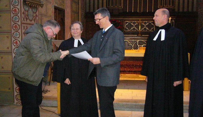 Auf dem Bild von links: Kurator Udo Puschnig, Pfarrerin Lydia Burchhardt, Kurator Heinz Schubert und Pfarrer Rainer Gottas (Foto von Sieglinde Oborny)