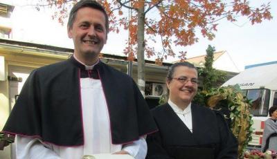 Dompfarrer Dr. Peter Allmaier und Lektorin Susanne Schuster-Nidetzky (Foto Sieglinde Oborny)