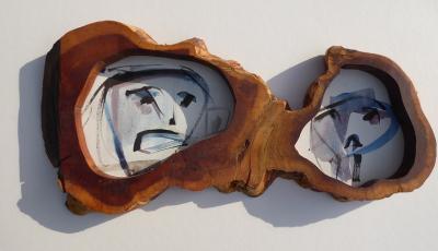 """Foto zur Vernissage """"Gemeinsam"""" . eine ist eine Kombination von Holz und Aquarell-Zeichnung von Arnold Kreuter und Werner Kastiunig"""