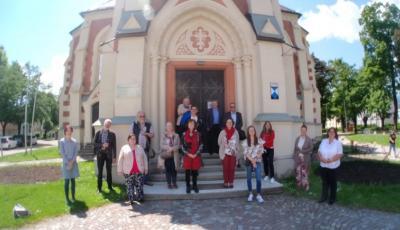 Gruppenfoto nach Lektor*innengottesdienst am 5. Juni in Villach-Kirche im Stadtpark (Foto Udo Rainer)